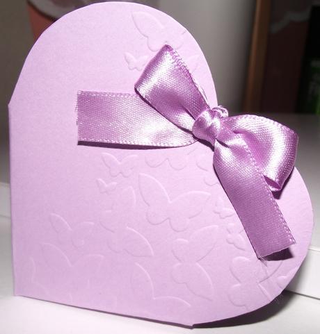 Ručne robené krabičky na darčeky - motív motýľa,