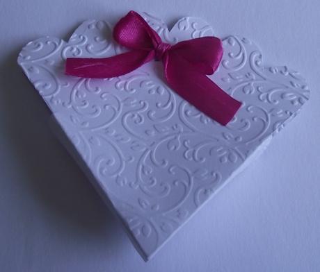 Ručne robené krabičky na darčeky - vzor vejár,