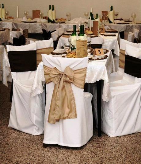Snehobiele návleky, sukne na stôl a obrusy,
