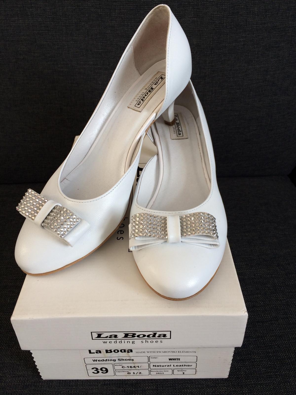 b6ee6069e52 Svatební obuv