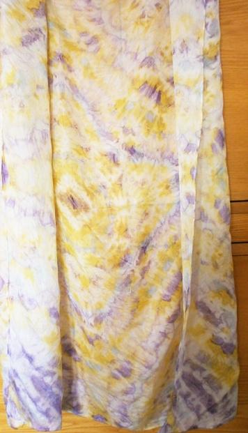 Hedvábný šátek, XL