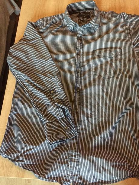 Pánska košeľa s tmavomodrým prúžkom, M