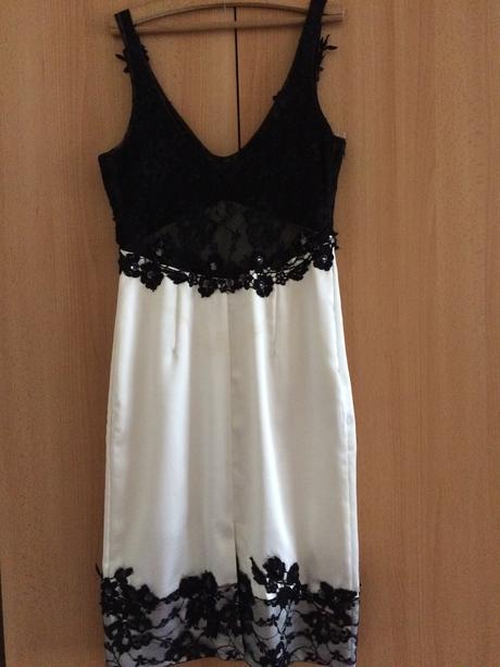 Nádherné čierno-biele spoločenské šaty, 36