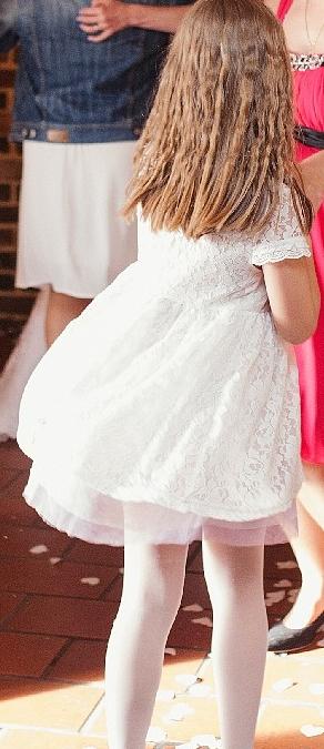 Krajkové šaty pro malou družičku, 140
