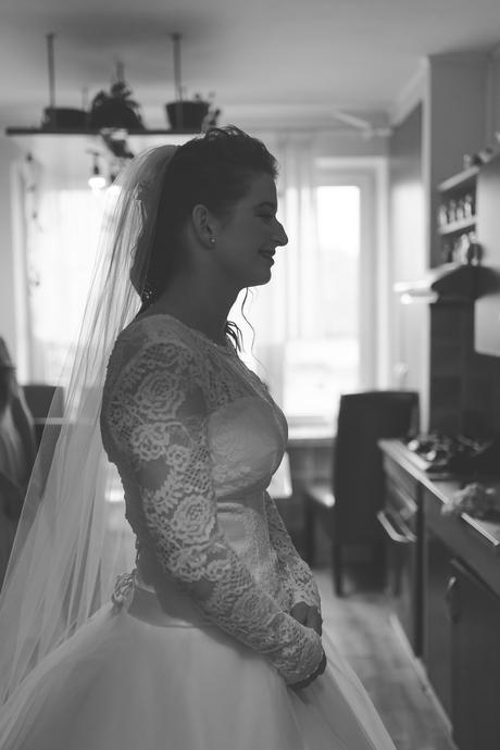 Svatební krajkové šaty s dlouhým rukávem, 38