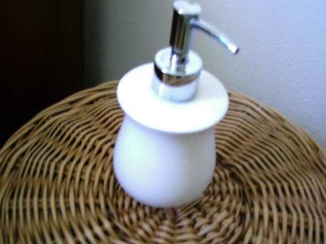 davkovac tekuteho mydla keramika,