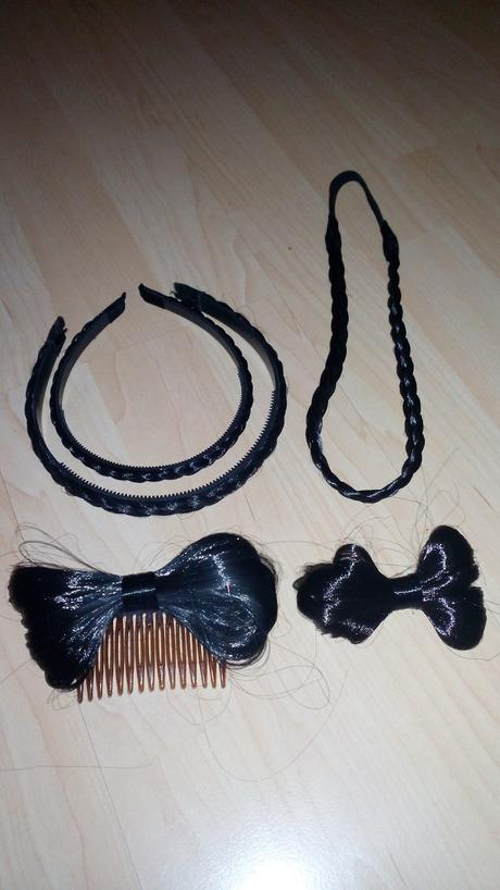 Cierne vlasove doplnky,
