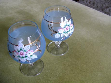 Ručne maľované poháre,