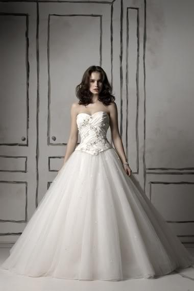 extra luxusní svatební bílé šaty Olivia S-M, 38
