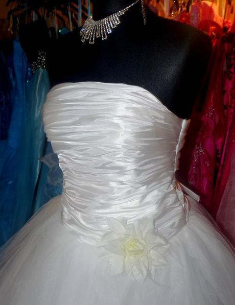 luxusní bílé svatební šaty Derry S-M, 38