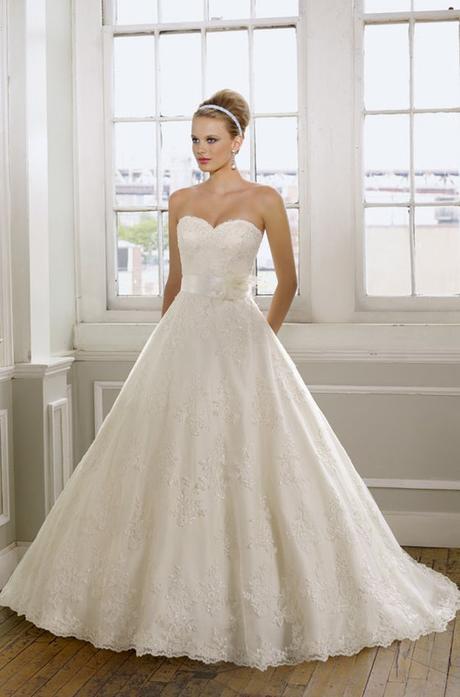 luxusní krajkované krémové svatební šaty Elza L-XL, 40