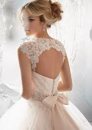 luxusní svatební šaty krémové Rebecca M-L, 38