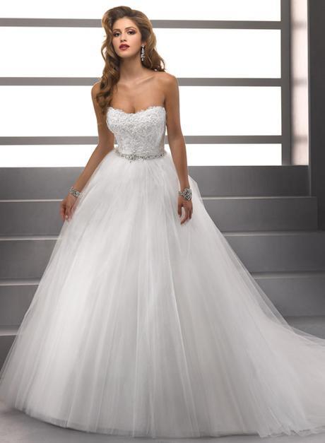luxusní tylové bílé svatební šaty Ricca S-M, 38