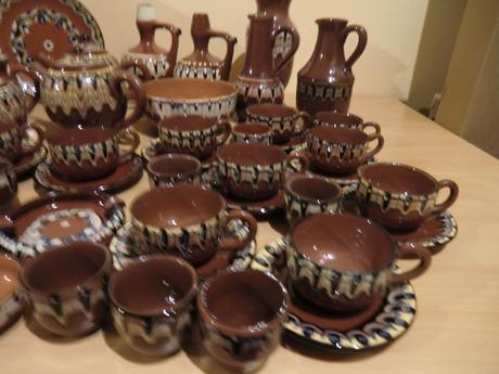 Bulharská keramika-už iba šálky na kávu,
