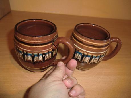 Dva hrnčeky na čaj,