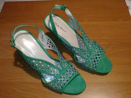 Originálne zelené sandále, 39
