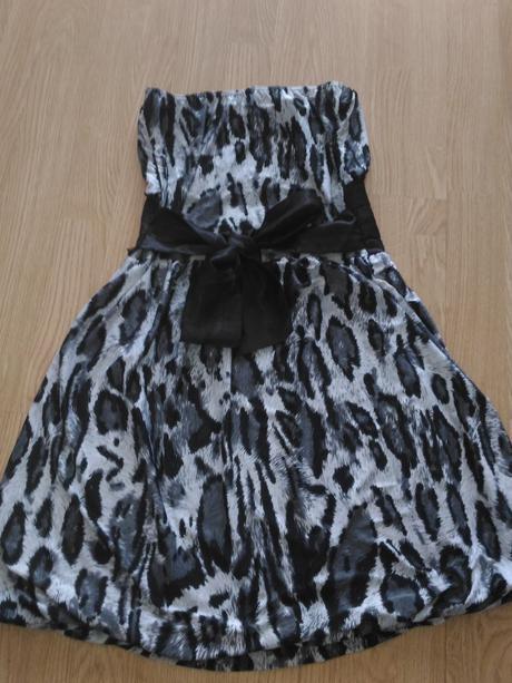 Bielo čierne šaty s mašlou vzadu, S