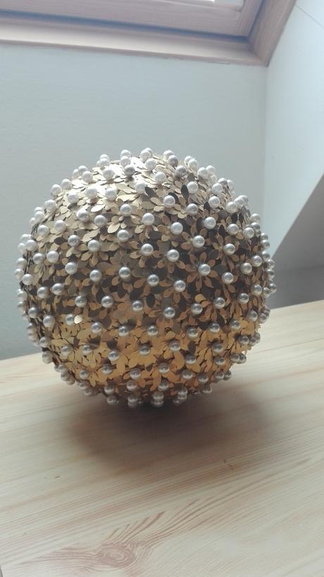 Perličkovo - zlatá dekorácia,