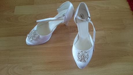 Svadobné topánky s ozdobou, 38