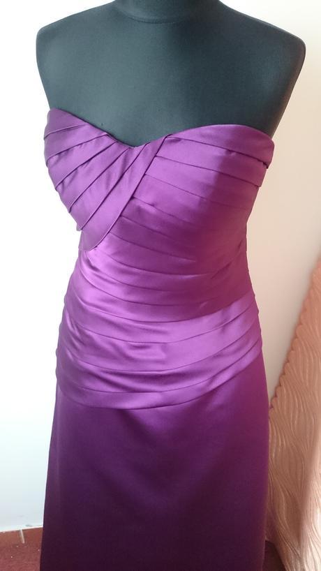 Fialové dlhé šaty, 40