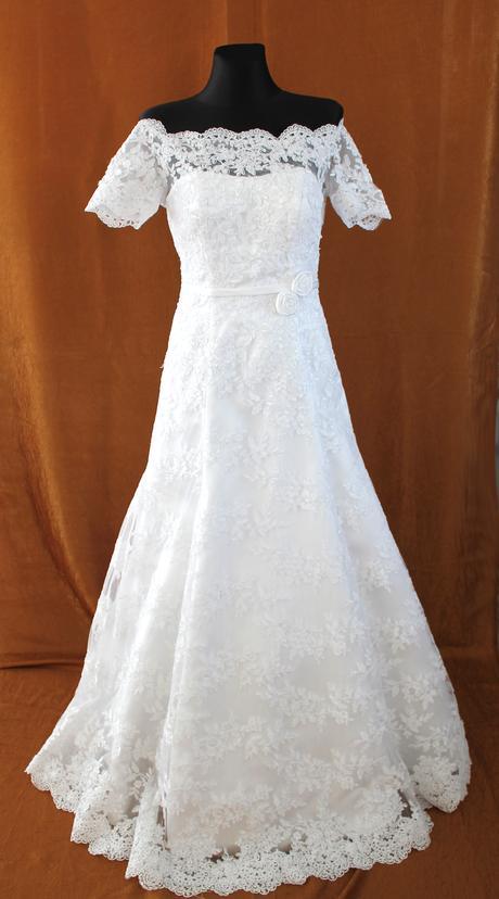 Krajkové svadobné šaty, 34