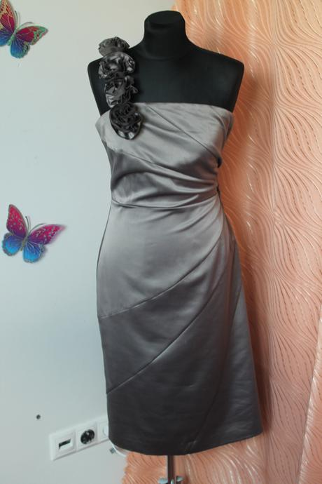 Krátke šaty, 44