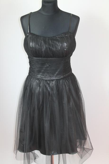 Krátke tylové šaty, 40