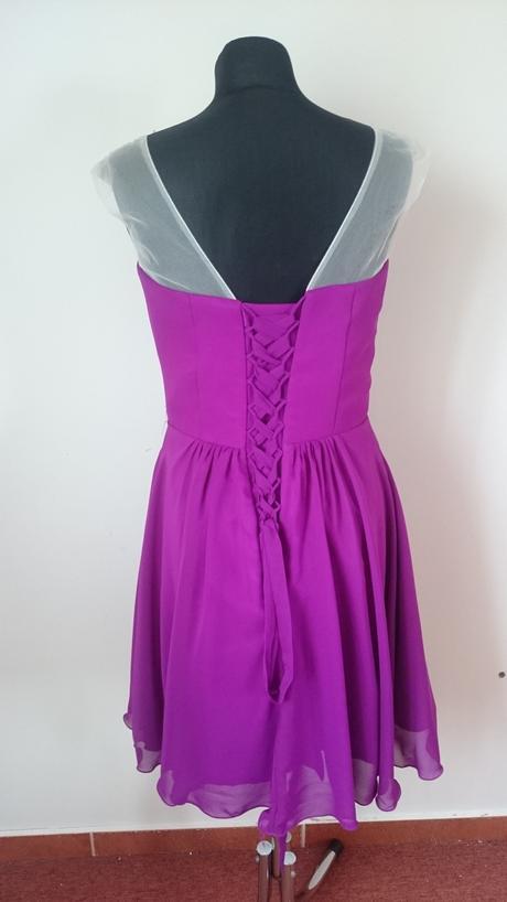 Tmavocyklamenové krátke šaty, 38
