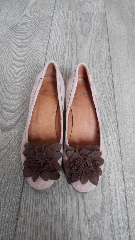 2x obute lodicky, 37