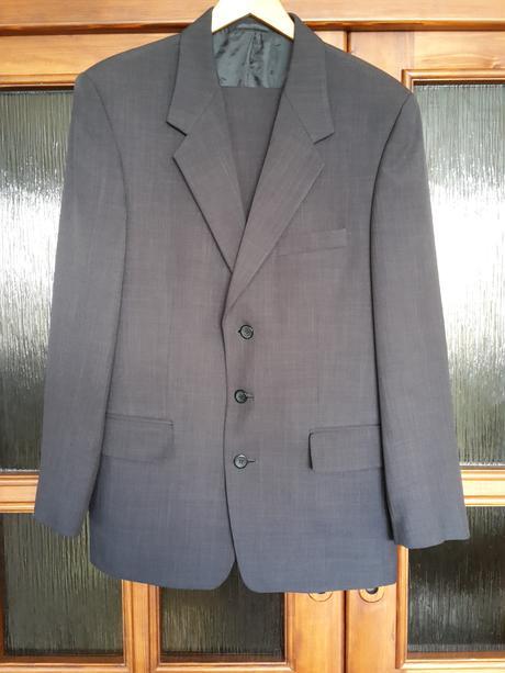 Oblek vel. 48, 48