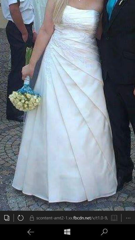 svatební šaty se zdobením, 40
