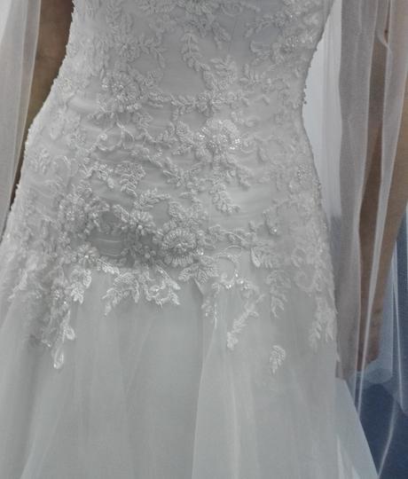 Svatební šaty (cca 36-40) korzetové s krajkou, 38