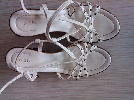 Bílé páskové boty na klínku, 38