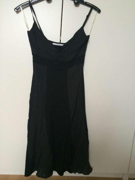 Černé šaty na úzká ramínka zn. Xanaka, 36