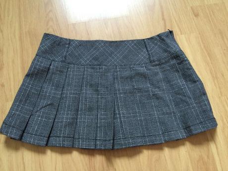 Dámská krátká, skládaná sukně, 36