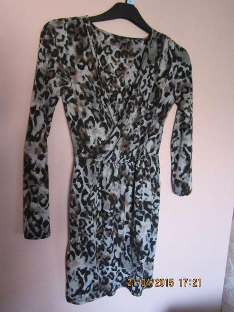 Dámské šaty se zvířecím vzorem , 36