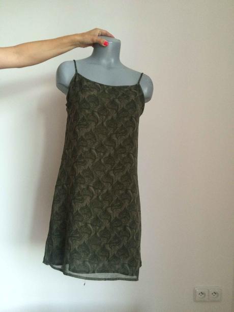khaki šaty se vzorem , 38