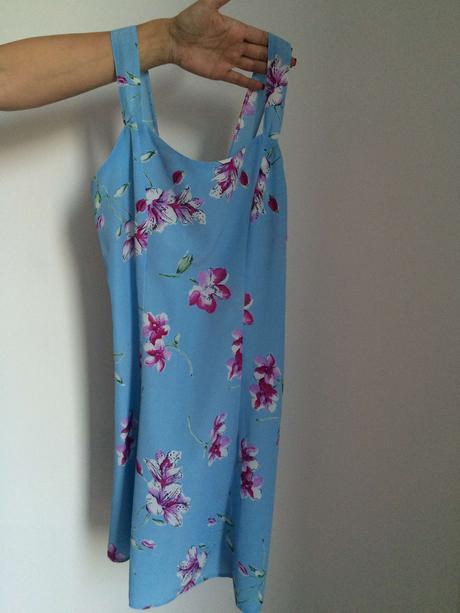 letní světle modré šaty na silnější ramínka , 36