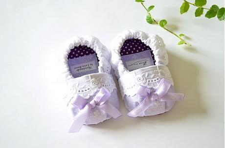 Novorodenecké capačky Lavender, top stav, 17
