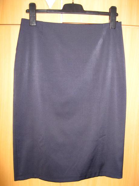 Tmavomodrá sukňa, podšitá, 40