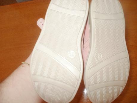 Sandale nenosene., 23