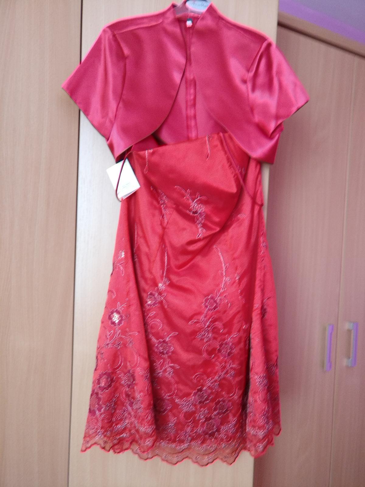 329a80d583a7 Červené spoločenské šaty