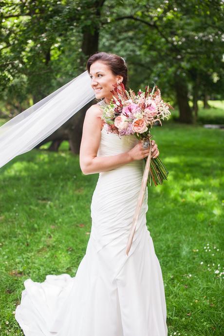 svatební šaty Lillian West, 36