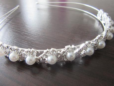 Čelenka s perlami,
