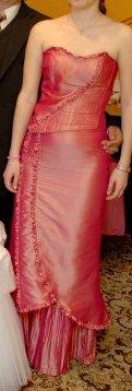 korzetové šaty malinovej farby, 38