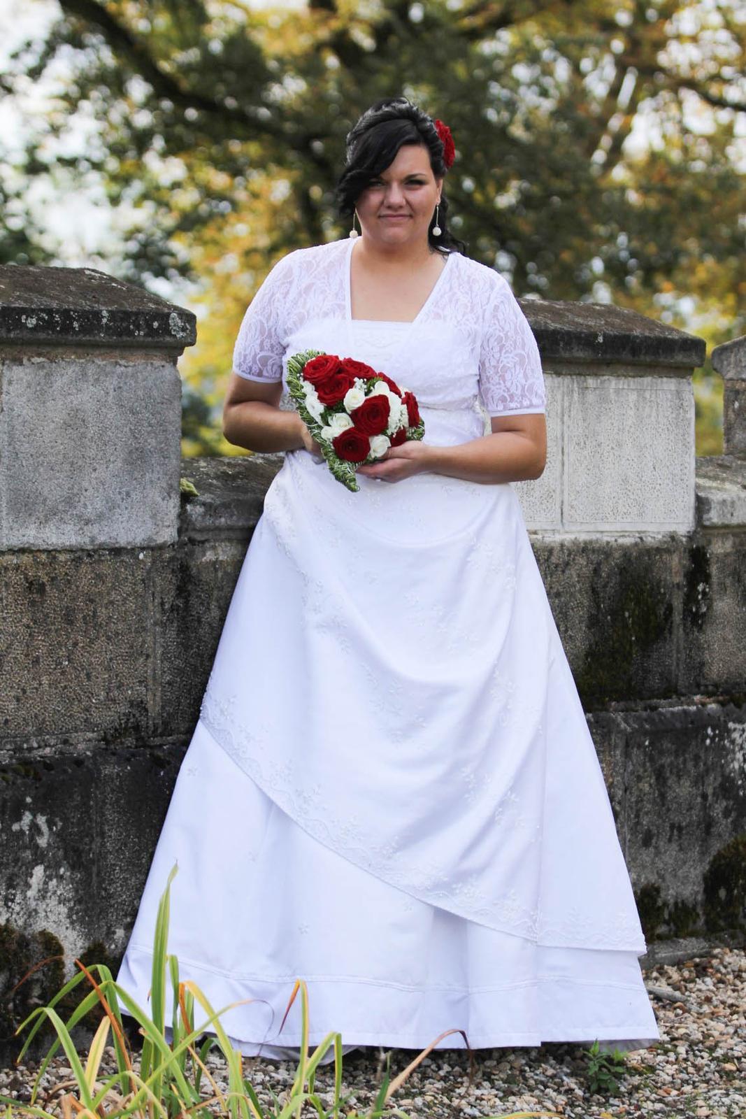 9c1f50b7ac5 Svatební šaty pro baculky