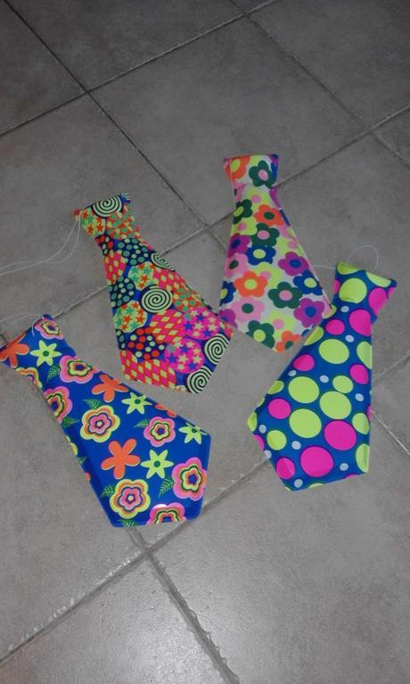 plastové kravaty,