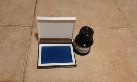 poduška a razítková modrá barva ,