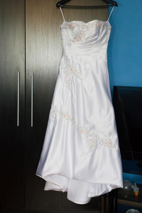 Svadobné šaty  - aktuálne , 38