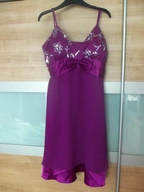 Fialové koktejlové šaty, XL